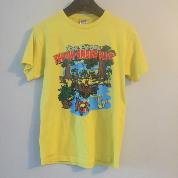 Fruit of the Loom Other - Vintage Yellow Smoke Park T-Shirt. Medium